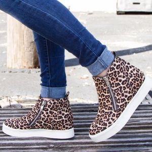 Shoes - Meow Leopard Print Zipper detail Sneaker
